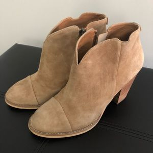 14th & Union Sand Booties, Size 7.5
